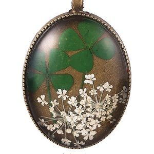 FOUR LEAF CLOVERS/DRIED FLOWERS PENDANT NECKLACE